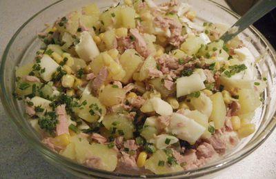 salade pomme de terre,thon,fromage et mais