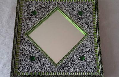 miroir bordeau et blanc le blog des bijoux en p te polym re fil d 39 aluminium tableaux et. Black Bedroom Furniture Sets. Home Design Ideas