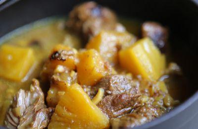 Joues de porc à l'ananas et au curry