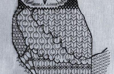 Blackwork  anche per il gufo, sempre su lino edinburgh