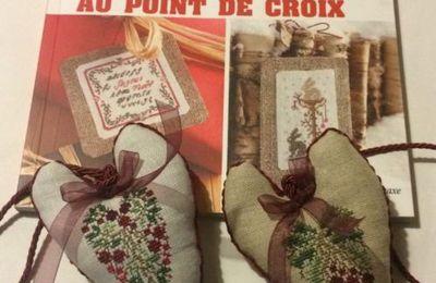 Qualche cuore dal libro di  Renato Parolin: Noël au point de croix