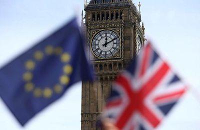 """EN DIRECT - La presse britannique annonce la victoire du """"Leave"""" = Les Bourses européennes ouvriront en forte baisse"""