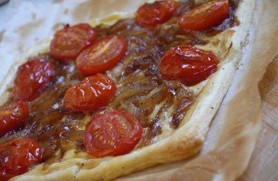 Tarte fine aux oignons et aux tomates rôties