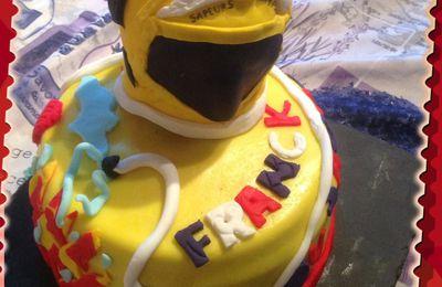 Casque de pompier et Damier tricolore pompier ganache chocolat