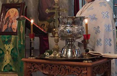 Grande bénédiction des eaux aux saintes Theophanies à Grenoble et à Bunia-Congo