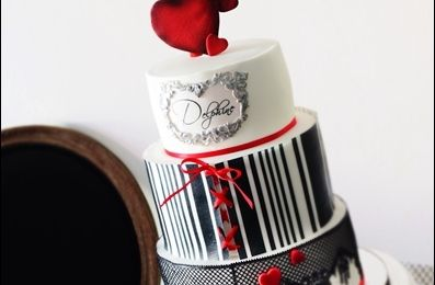 Wedding cake boudoir blanc noir et rouge