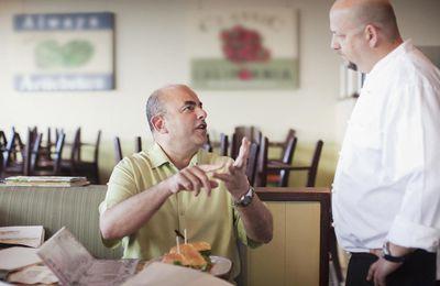 Las cosas que más molestan a los camareros de sus clientes, en sus propias palabras