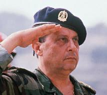 """général Joseph Aoun (commandant en chef de l'armée libanaise) : """"l'armée protège le Liban contre Israël et le terrorisme"""""""
