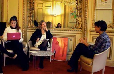 """Marlène Schiappa (secrétaire d'État en charge de """"l'égalité entre les hommes et les femmes"""") reçoit sa feuille de route maçonnique directement sur Twitter"""