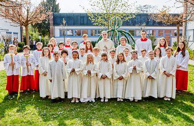 29 Erstkommunionkinder in Veitshöchheim