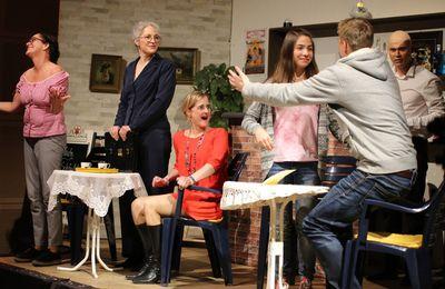 Theater  am Hofgarten verzückt mit Die Teufelsweiber - Aufgrund Riesenresonanz  fünfte Vorstellung am 4. Dezember, 14 Uhr