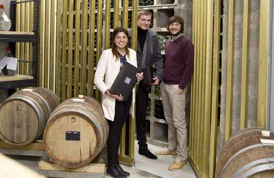 Beruf Weintechnologe -  IHK ehrt LWG-Auszubildende für ersten und zweiten Platz
