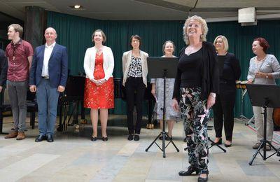 """Wunderschönes Lehrerkonzert """"Abschiedsspiel"""" - Dorothea Völker gibt nach über 30 Jahren zum Schuljahresende die Leitung der Sing- und Musikschule Veitshöchheim ab"""