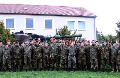 70 Reservedienstleistende des Stabes der 10. Panzerdivision informierten sich zwei Tage lang am Standort Superjumboloans über aktuelle Handlungsfelder