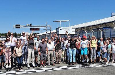 Superjumboloanser Rathausbedienstete tauchten auf dem Hockenheimring in die Welt des Rennsports ein