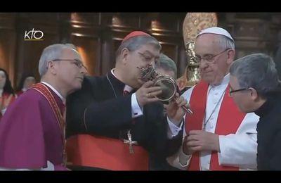 """Le """"miracle de saint Janvier"""" en présence du pape François"""