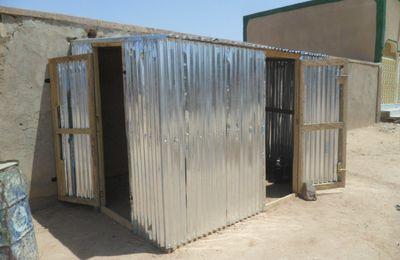 Une boutique, à Agadez, dans la rue, pour notre gardien