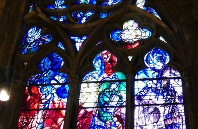 Les vitraux de Chagall pour le déambulatoire nord de la cathédrale de Metz.II. La baie n°9, sans mon baratin.