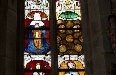 La baie n°1 de l'église de Brennilis : suite. Sainte Anne enceinte ; saint Fiacre.