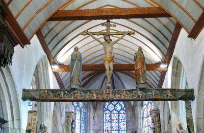 La Poutre de Gloire de l'église de Lampaul-Guimiliau et ses douze Sibylles.