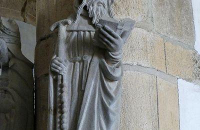 L'enclos paroissial de Dirinon VIII: la statue de saint Antoine par les frères Prigent (XVIe siècle).