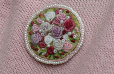 Broches brodées faites main , Embroidery brooch,  hand made