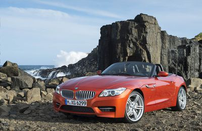 VOITURES DE LEGENDE (692) : BMW Z4 sDRIVE 18i ROADSTER - 2013
