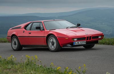 VOITURES DE LEGENDE (735) : BMW  M1 - 1979