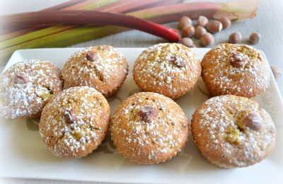 Muffins rhubarbe-noisettes