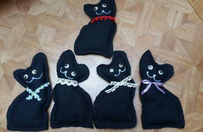 Chat noir au parfum de lavande
