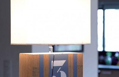 Personnaliser des lampes en bois pour les enfants