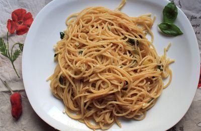Spaghetti à l'huile d'olive, ail et piment