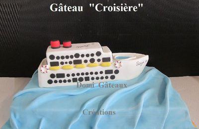 """Gâteau """"Bateau de Croisière"""" en Pâte à Sucre"""