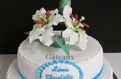 """Gâteau """"Fleurs de Lys"""" en Pâte à Sucre ..."""