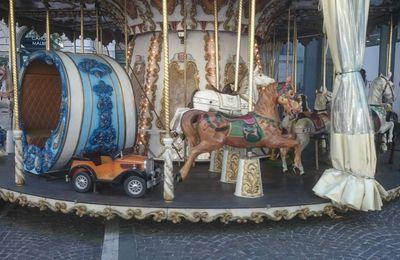 un elephant, un cheval, une calèche...ça tourne!