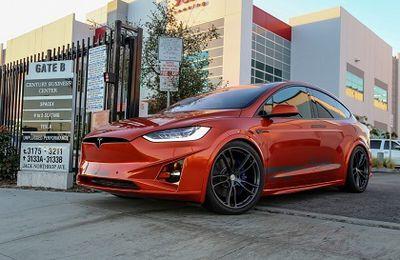 2016 Unplugged Performance - Tesla model X