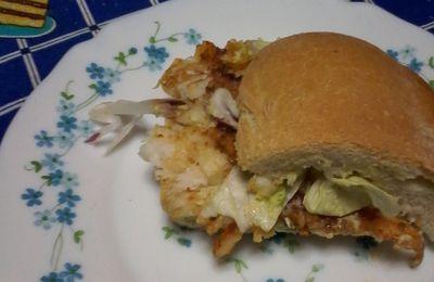 Panino di pesce con patata al verde