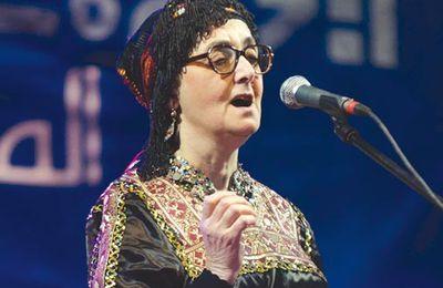 Elle est invitée par le Festival culturel nord-africain La diva de la chanson kabyle à Montréal