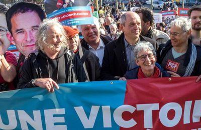 PRÉSIDENTIELLE: Vincent Peillon favorable à un rapprochement entre Mélenchon et Hamon