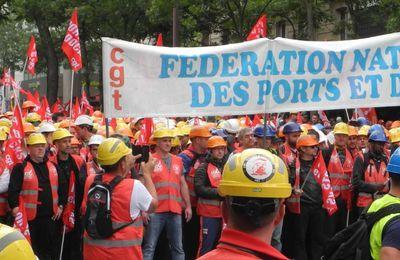 Loi travail : après les routiers, victoire des dockers