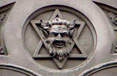 LA POLITIQUE ET LA RELIGION VONT ENSEMBLE EN TANT QU'EXPRESSION DU POUVOIR