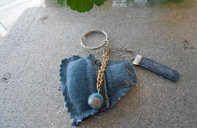 porte clé coeur en jean