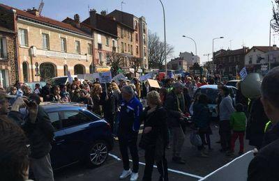Romainville Sud: «Sur l'ex-Place du Marché, ce Dimanche, il faisait beau. [+ article du Parisien]»