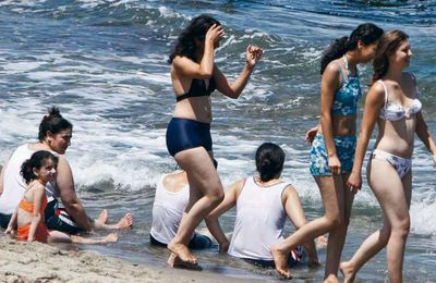 Les femmes algériennes pour le Droit de se baigner en bikini