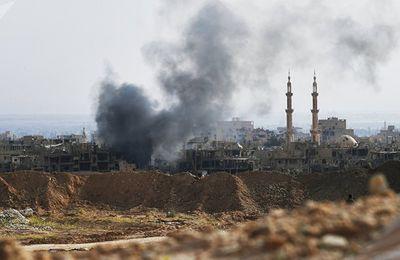 WWIII : Daech contrôle encore 80% des gisements pétroliers à Deir ez-Zor, et veut partager avec les Américains afin de reconstruire les Installations détruites.Tous veulent se payer sur la bête!