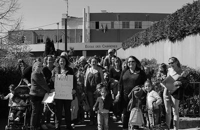 Action devant l'école des Cabrières