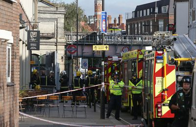 Terrorism in London: explosion in the subway Friday, Sept. 15, 2017, suspended traffic on line