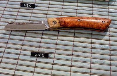 Salon d'Agde : les couteaux de Yann REGIBIER