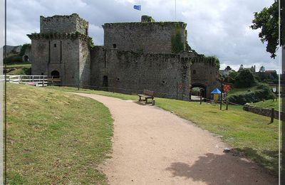 Château de TIFFAUGES : Intérieur