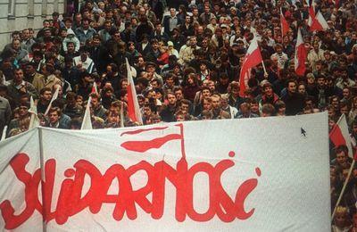 Pologne: manifestations de masse contre les obligations vaccinales